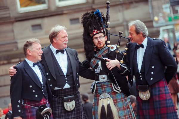 Bagpiper hire: Reel Time Media